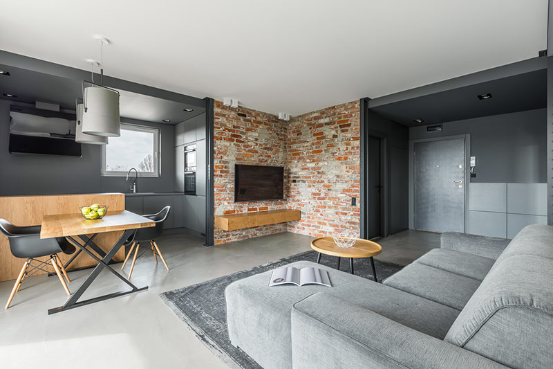 podłoga z betonu dekoracyjnego w mieszkaniu